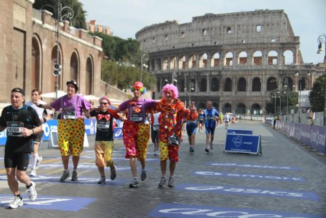 Marathoniens déguisés en clown